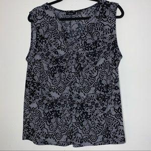 2/$18🔥APT 9 black & white front knot tank